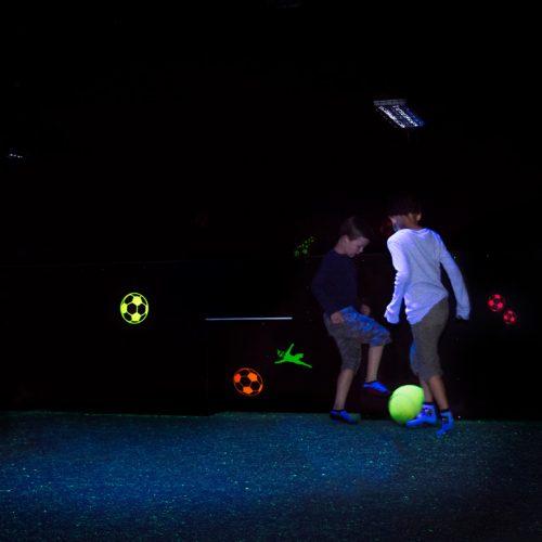 Glow in the dark voetbal